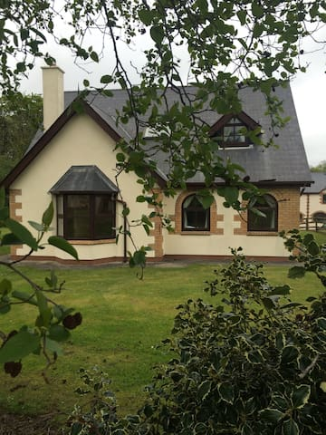 Four Bedroom House In Courtown - Gorey - Rumah