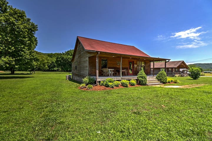 Dog Friendly Mountain View Cabin w/ Covered Porch!
