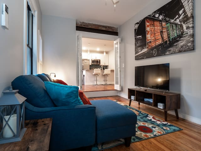 Beautiful Rooftop Condo, Heart of Downtown OTR