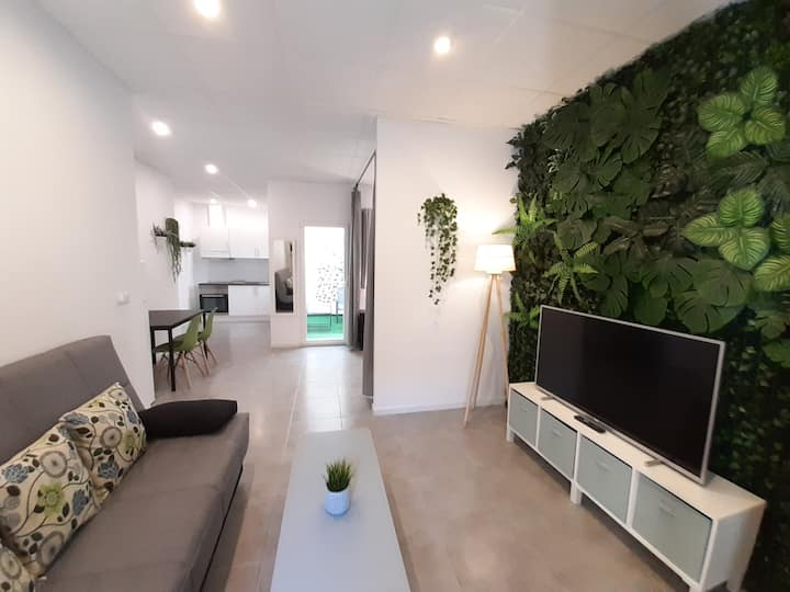 Tropical Garden Apartment