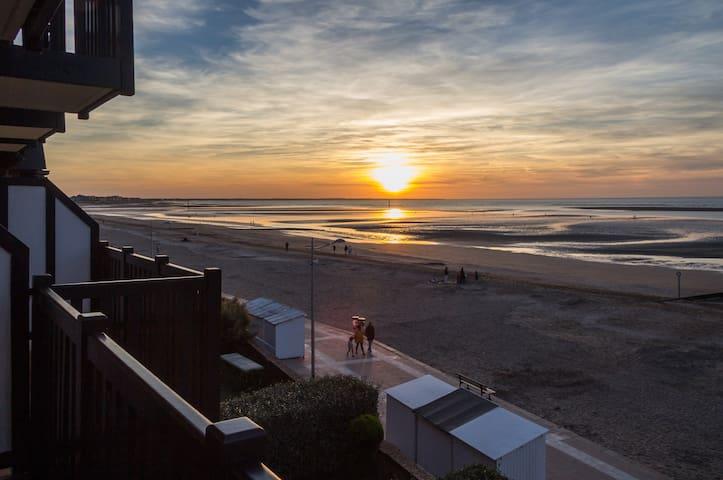 Joli appartement avec vue panoramique sur la Mer