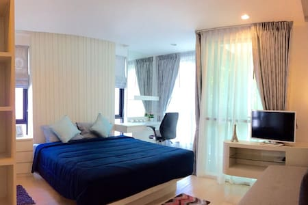 Private Studio w/ Rooftop Swimming Pool - Muang Pattaya