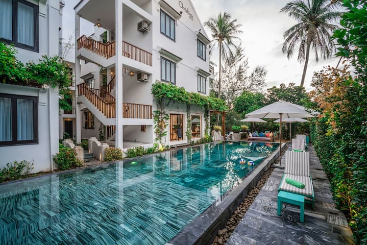 BIG suite in CO-LIVING resort. POOL - Village View