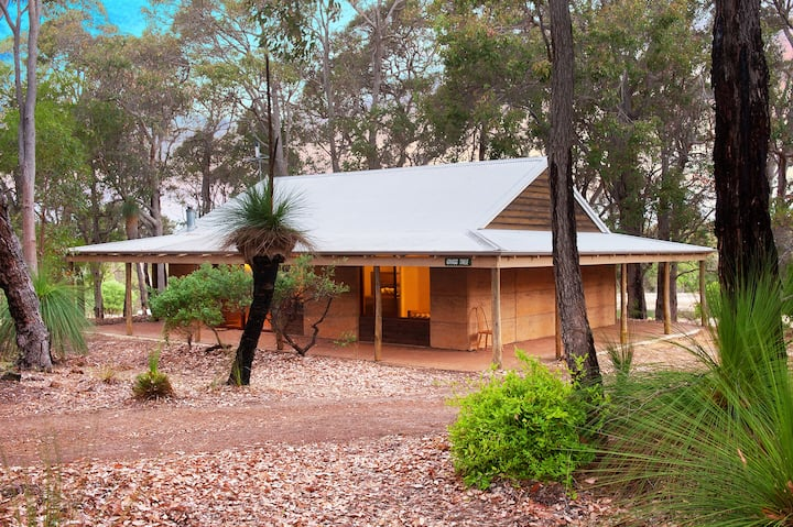 Woodstone Grasstree Cottage