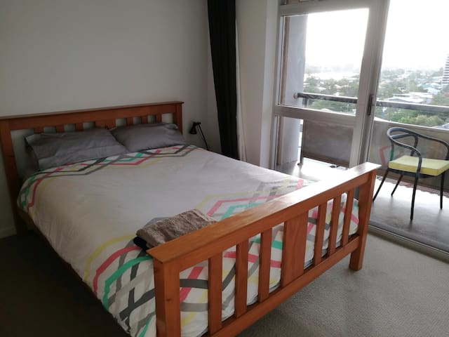 Room with a beautiful view - Highgate Hill - Pis