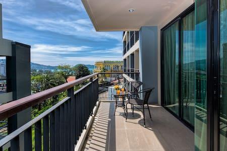 Seaview 1 bedroom apartment @Patong, beach-500m - Tambon Patong - Apartment