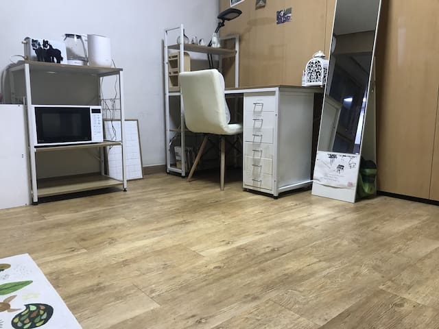 연희동 아늑한 아지트 / cozy&clean apartment in yeonhuidong