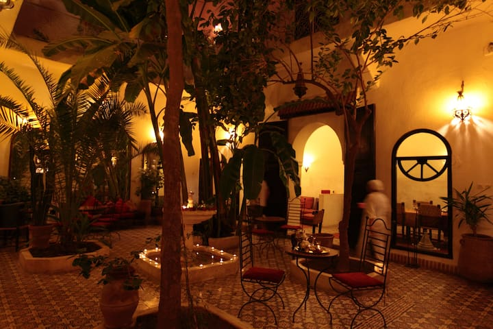 Chambre Sonia Riad Dar Tayib - Marrakesch - Bed & Breakfast