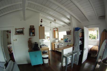 Penguin House 1940s - 2 Bedroom Venice Bungalow - Los Angeles - Maison