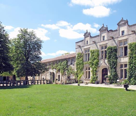 Maison d'amis dans belle demeure - Magnac-sur-Touvre - Huis