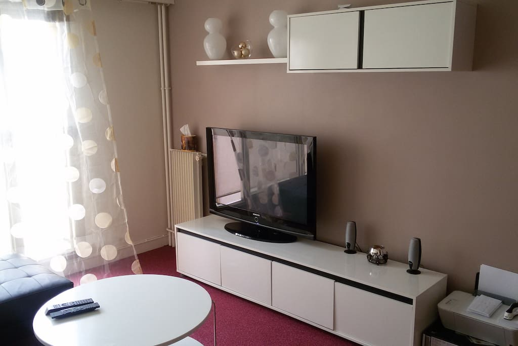 Tr s bel appartement dans paris 14 apartments for rent for Don de meuble paris