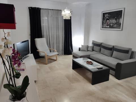 Estupendo apartamento, minimalista y acogedor.