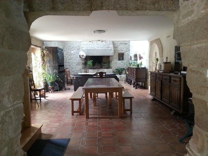 Beautiful 4* Breton stone house, 174 m²