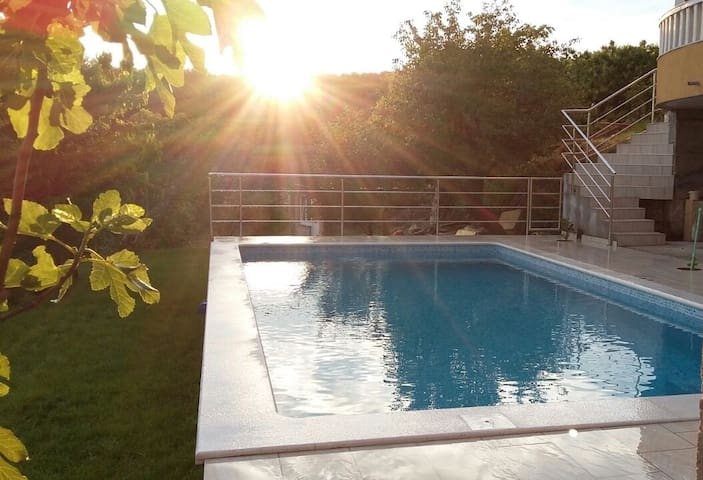 cozy apartment with pool near Split - Žrnovnica - Wohnung