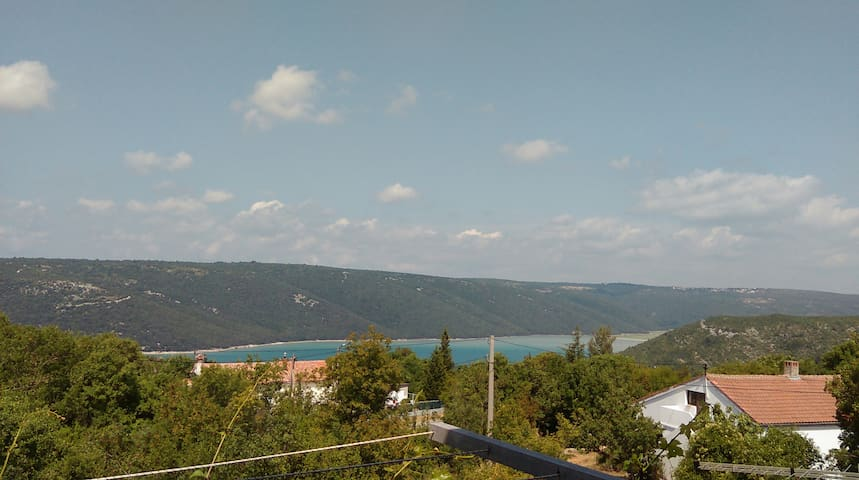 Apartment HRUK near sea with view - Raša - อพาร์ทเมนท์