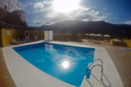 Sunny 2 bedroom with swimming pool  - Puerto de Mogan - Lägenhet