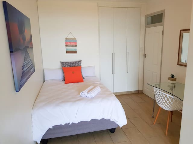 Spare bedroom with double bed