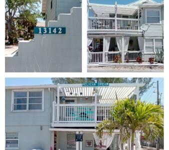 ♥Pelican Dream♥2 Bedrms, Sun deck, beach access