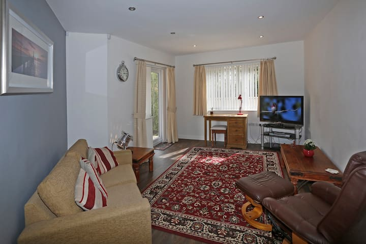 Self contained apartment within family home - Braunton - Appartement