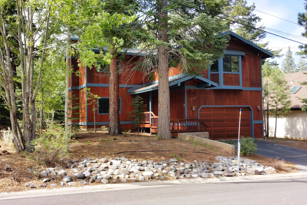 Montgomery Estates Cabin with 4 Bedroom and 2.5 Bath