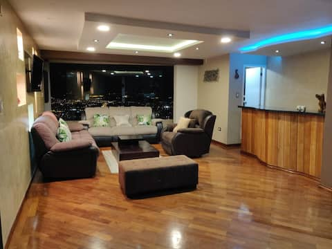 Bel appartement moderne avec vue sur 180 degrés