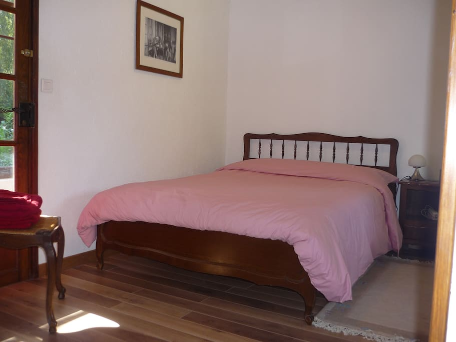 Nice spacious room beautiful park chambres d 39 h tes for Chambre d hote nice
