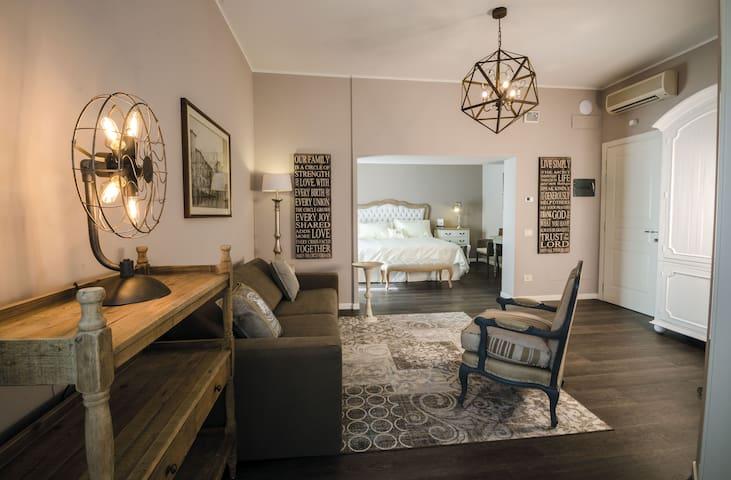 Elegante suite in villa
