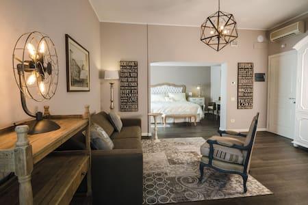 Elegante suite in villa - Azzano San Paolo - Inap sarapan