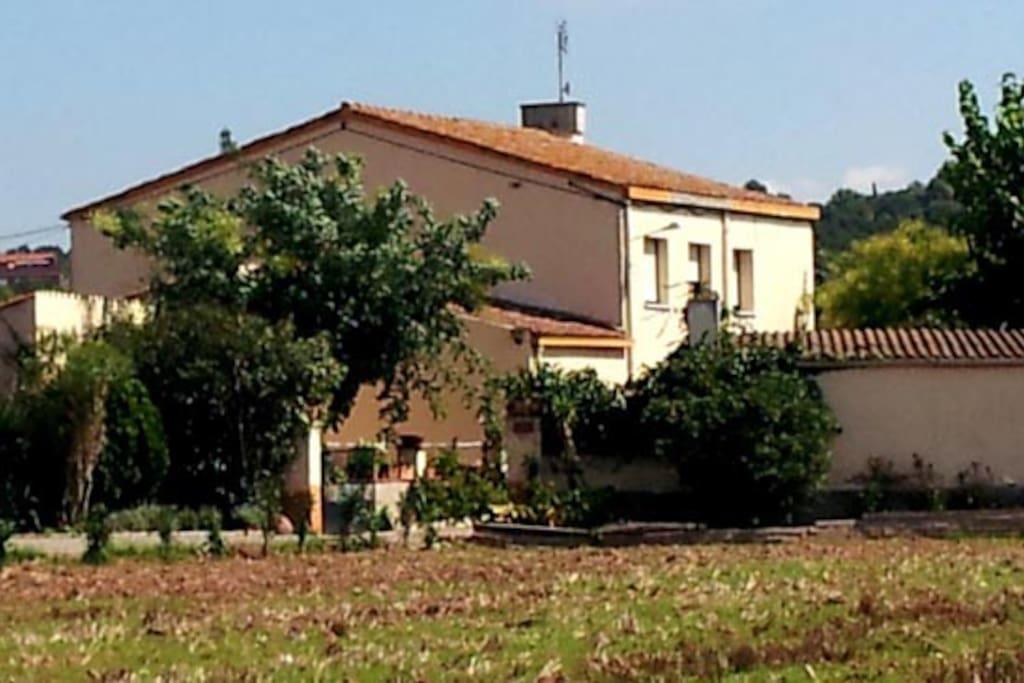Imagen de la masia