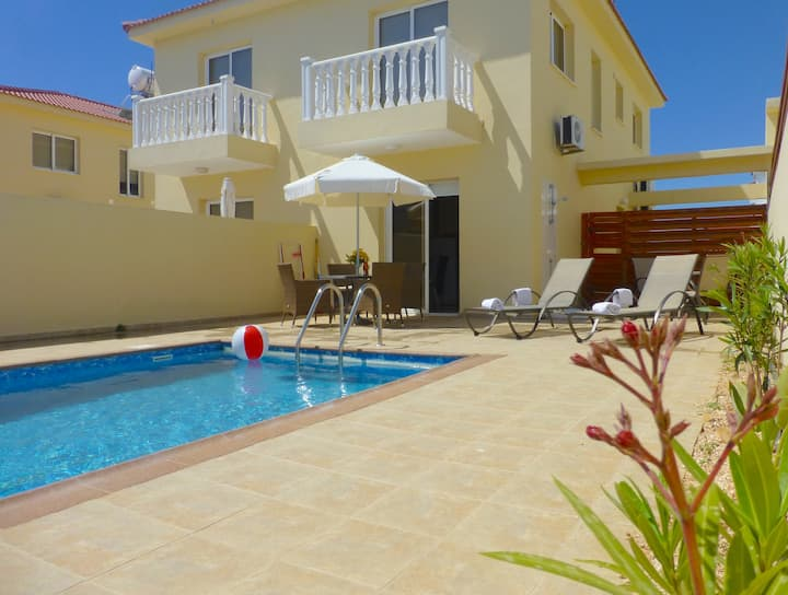 Nissi Golden Sands Villa (24) Pool & free WiFi