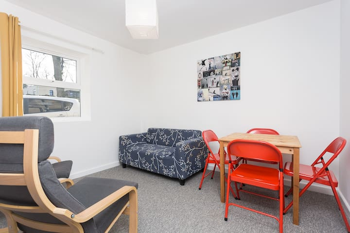 10mins walk, Royal Crescent, Circus, Queens Square