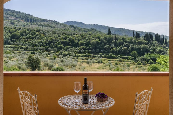 Airbnb Reggello Vacation Rentals Places To Stay
