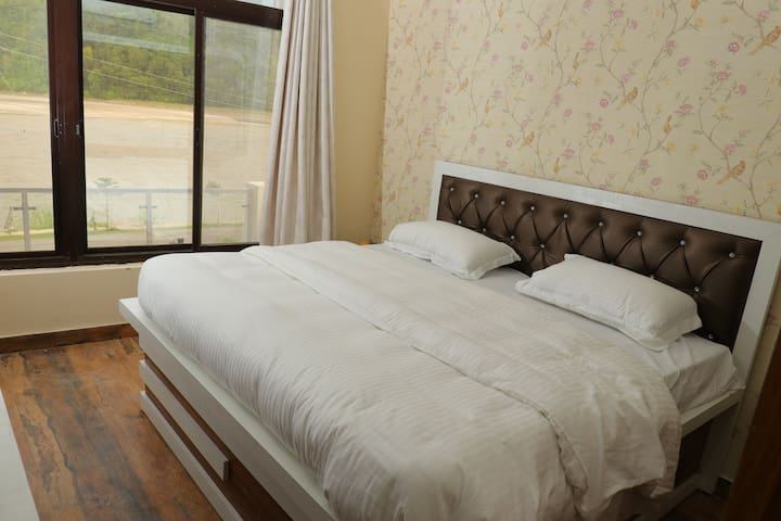 Deluxe Room at Ganga Forest View