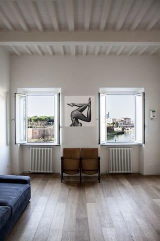 Stylish Central Livorno Apartment