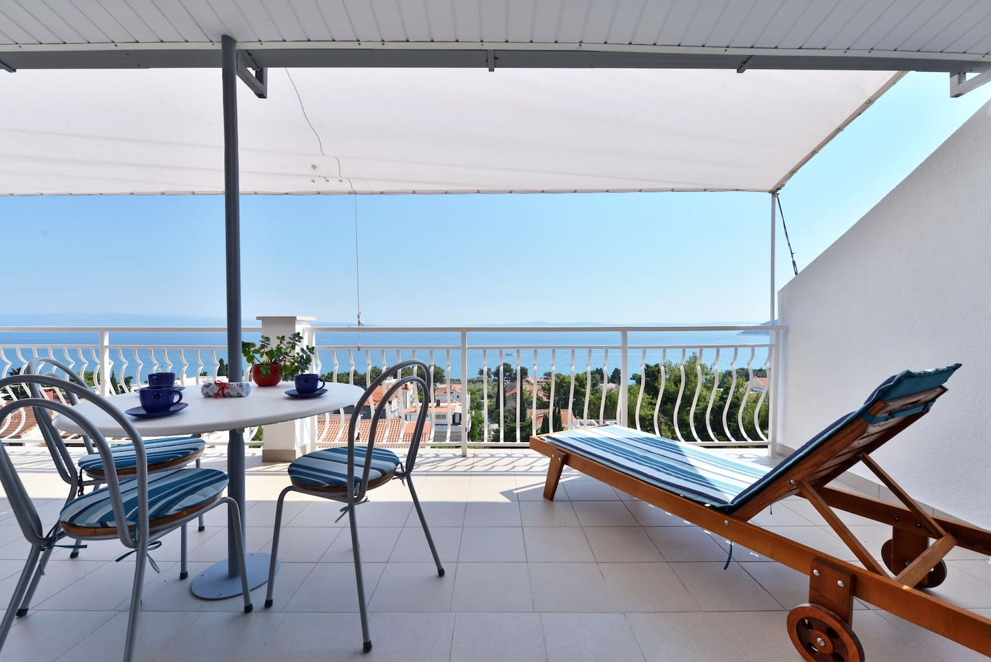 large terrace with amazing view to the sea, islands and the city