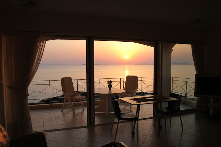 Stunning Maisonette, 200m from the beach