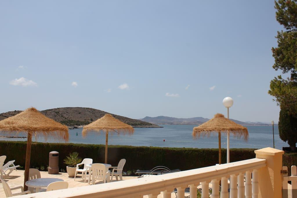 desde la terraza a zona piscinas