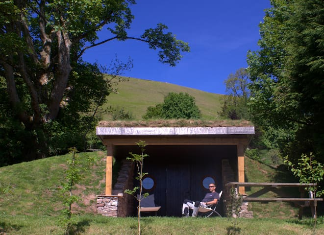 Hobbit Hole - with a fabulous view - Ullswater - Grotte