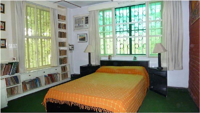 Kanchan villa - Green Room