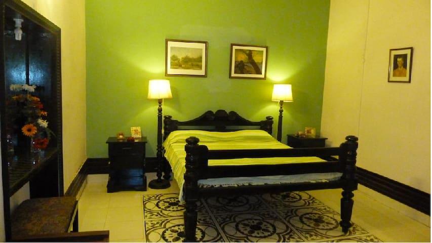 Kanchan Villa- Bengal Room