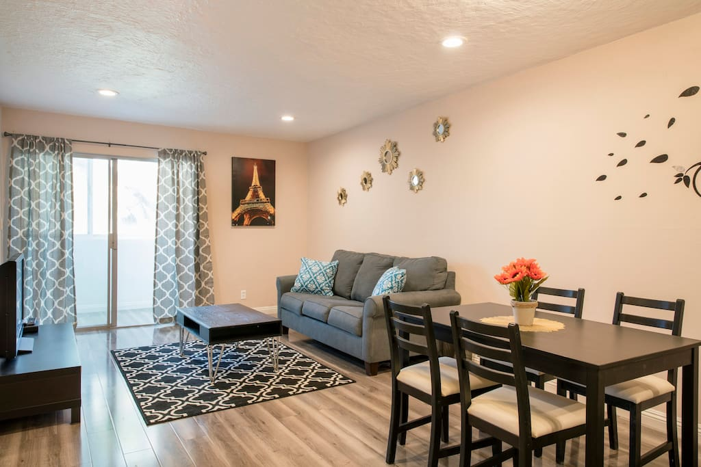 Cozy 1 Bedroom Close To Disney For Up To 4 People Apartments For Rent In Anaheim California