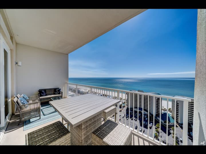 Seascape at Laketown Wharf—Penthouse Views!