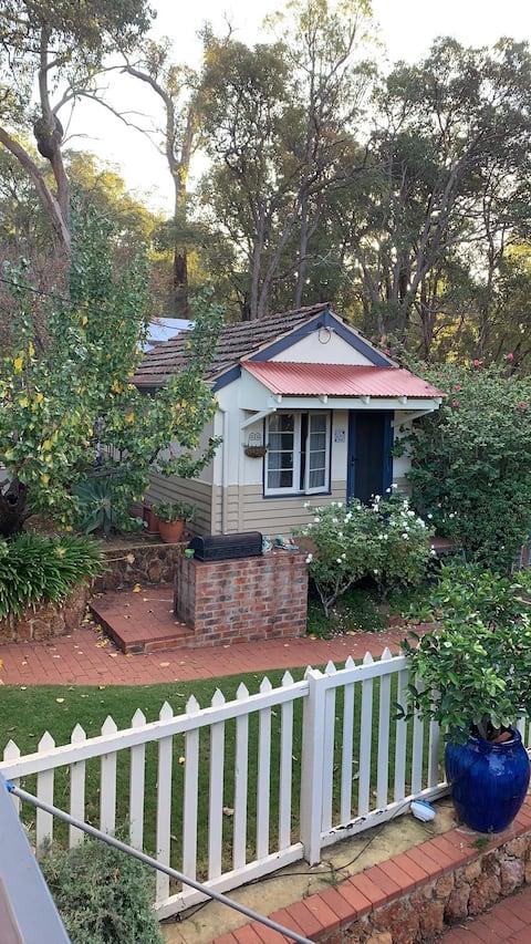 Bonita cabana Perth Hills