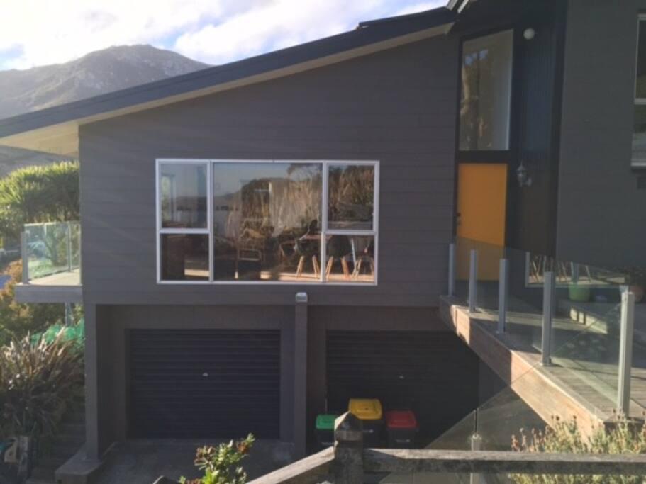 Modern home with 2 decks