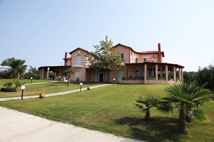 Wonderful Villa with great view in Posidi-Kalandra
