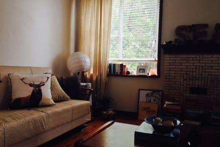 Beautiful Bedroom in Fairlight - Fairlight