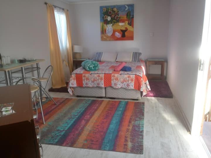 Habitación independiente en casa