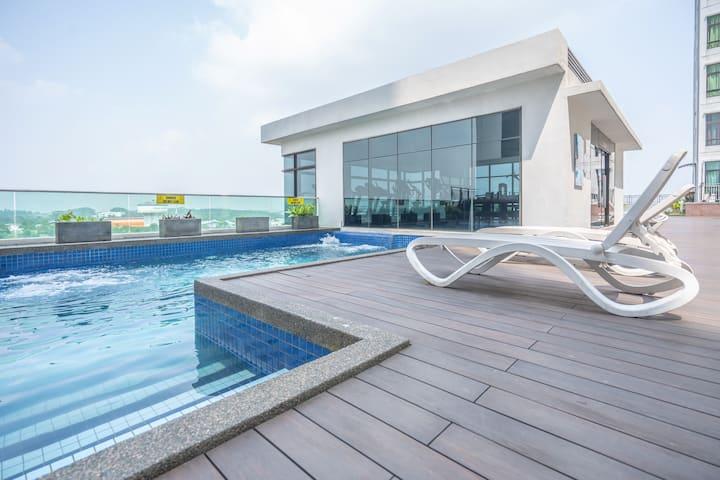 1BR Abode, Johor-Bahru + Infinity Pool