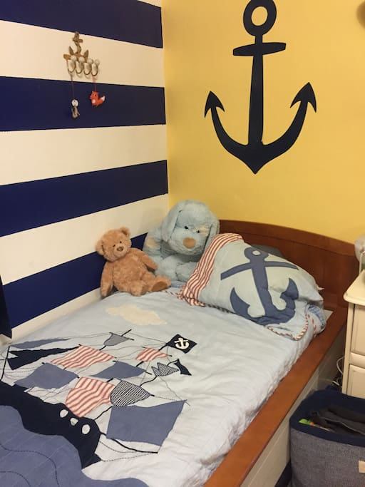 Cozy boat bed Childrens room is nautical maritime themed ⚓️this private room is available for $50 per night (please see other listing to book this private room)