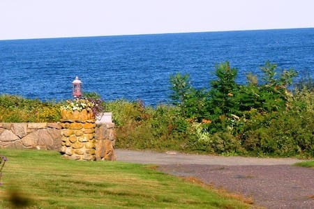 Ocean View from every room! 3 br Glenellen Cottage - Rockport - 独立屋